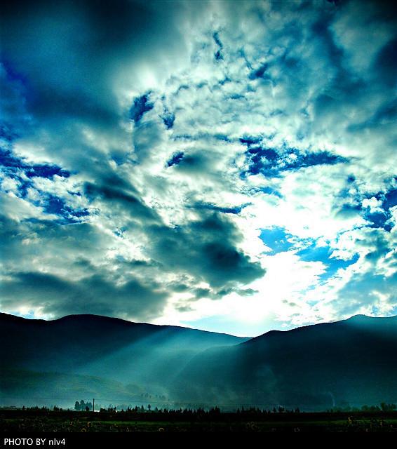 背景 壁纸 风景 气候 气象 天空 桌面 566_640