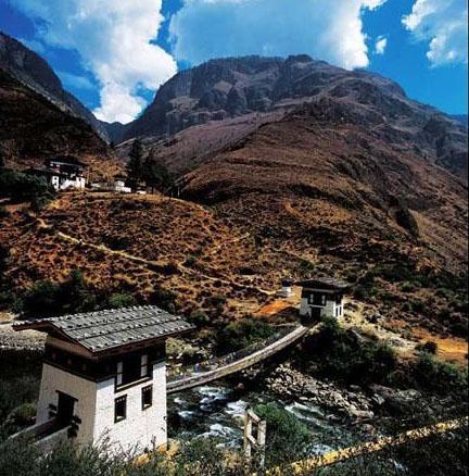 不丹城市高楼风景图片