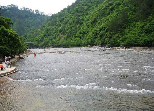 鸳鸯溪国家级风景名胜区位于屏南县东北部,距县城30公里,处屏南,周宁