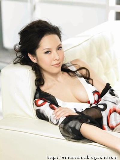玲花泳_林志玲成2009十大美胸女王(组图)-北京冬雨-搜狐博客