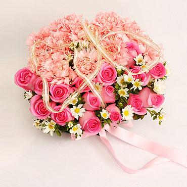 """一捧很美的花""""一颗心的距离"""",水蜜桃玫瑰16枝,粉色康乃馨"""