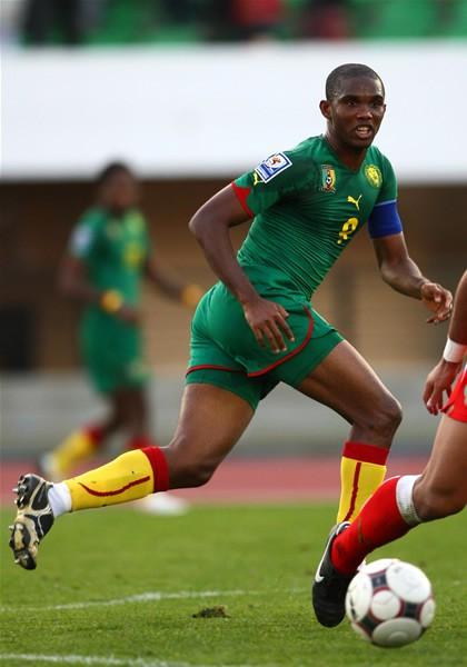 喀麦隆足球明星米拉_明星足球相片_克罗地亚足球和喀麦隆谁实力强能几比几?