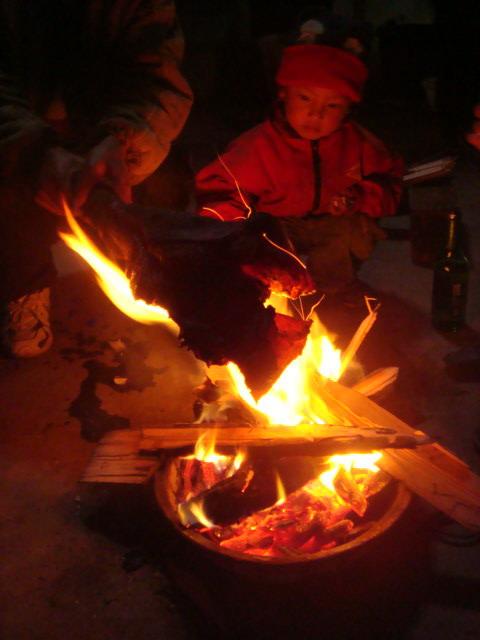 看婆婆——烤火盆
