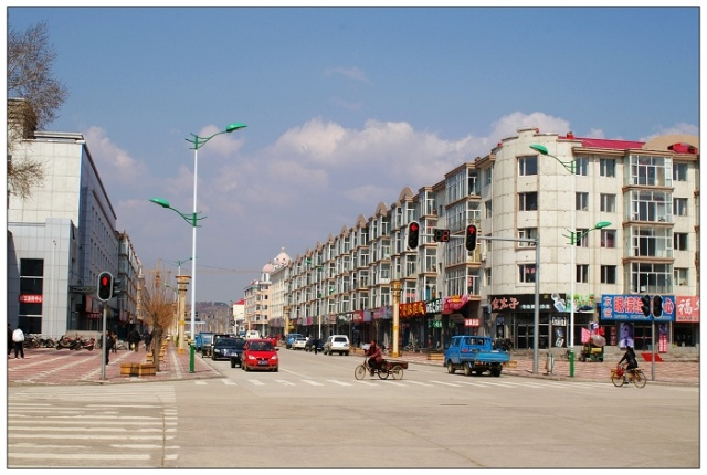 清河镇地处小兴安岭南麓,松花江中游北岸,是通河县最东部的城镇,西与