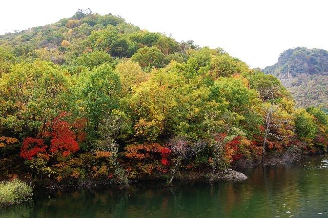 关门山水库等都是闻名遐迩的旅游景区