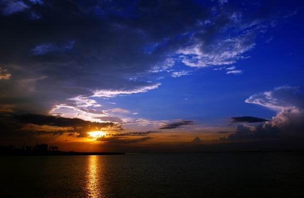 西沙群岛 又名宝石岛,是中国南海诸岛四大群岛之一,由永乐群岛和