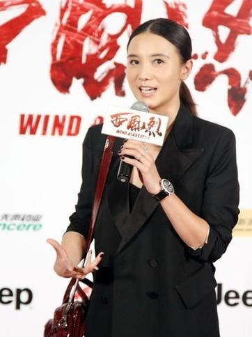 霍思燕小时候_黄晓明漂亮妈妈新近照曝光端庄大方-陈晨的八卦江湖-搜狐博客