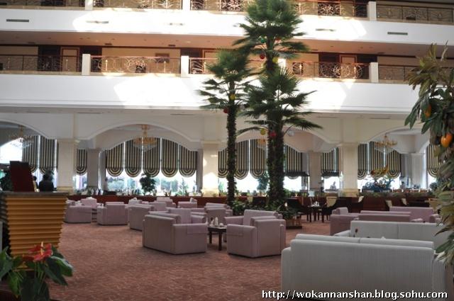 月亮湾酒店