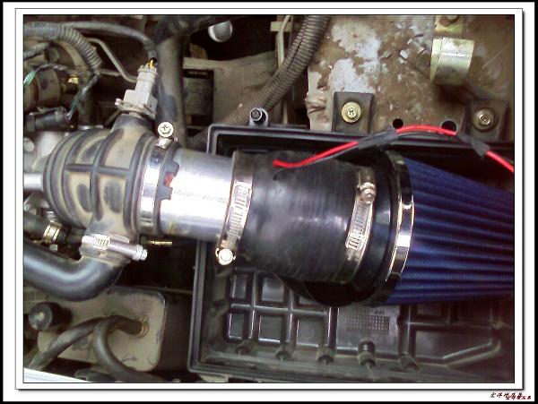 对五菱荣光车而言,要安装宏洋增压器,只有改动空滤器,换用冬菇
