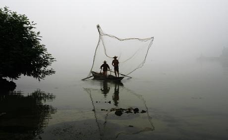 撒网捕鱼的步骤技巧图